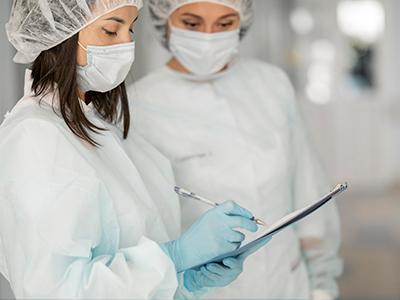 Diferencia entre enfermera y auxiliar de enfermería